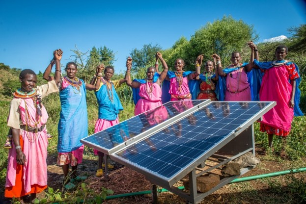 Sinteyo and womens group in Leparua, Kenya with their solar panels