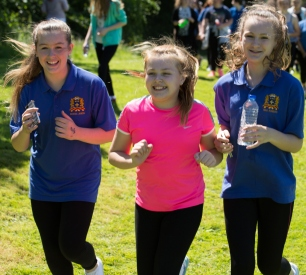 Girls from Notre Dame school preparing for the Run